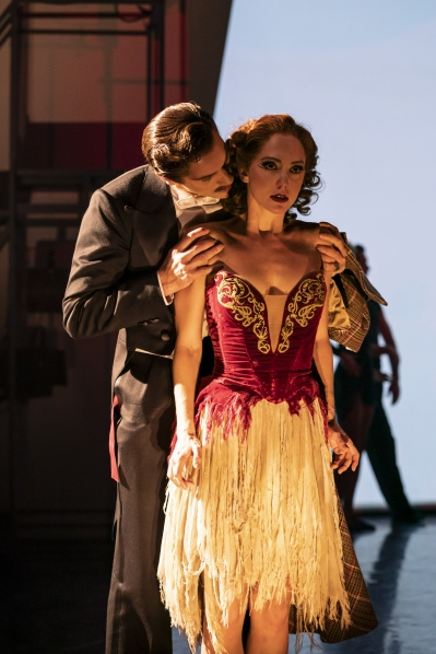 Boris Lermontov (Adam Cooper) and Victoria Page (Ashley Shaw) - The Red Shoes