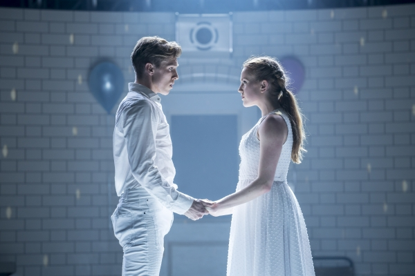 Romeo (Andrew Monaghan) and Juliet (Seren Williams) - Montague Company