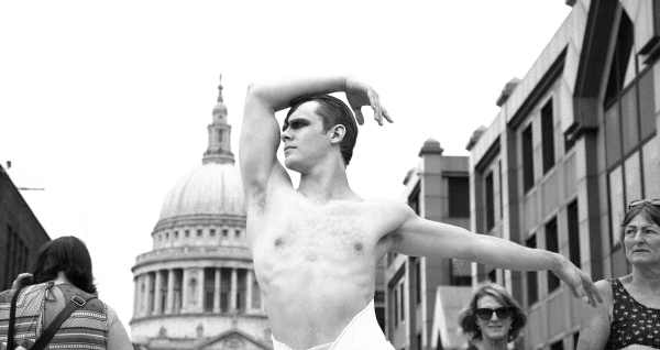 Will Bozier as The Swan in front of St Paul's Cathedral